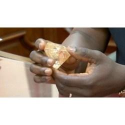 Fantastic Pastor Finds Massive Gives It Away Cnn Video Sierra Leone Diamonds History Sierra Leone Diamonds Trade