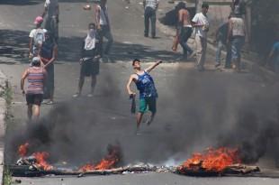 Las protestas callejeras se han vuelto rutinarias en Venezuela. Foto de archivo