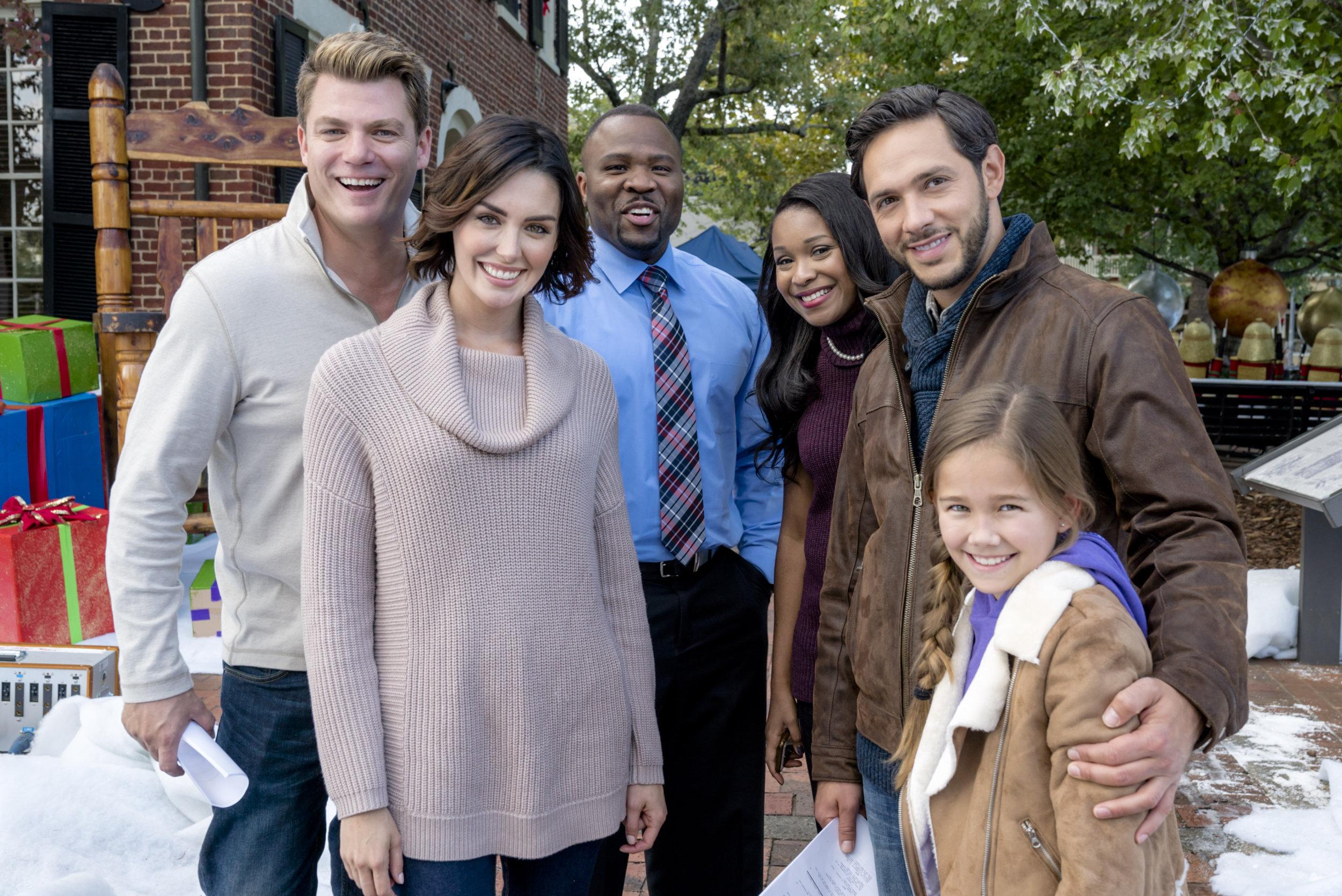Fullsize Of Christmas In Homestead Cast