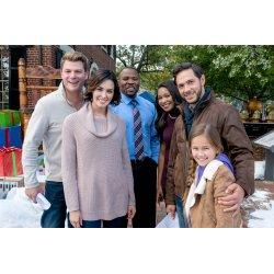 Ritzy Crew Hallmark About Homestead Cast Homestead Cast Homestead Hallmark Channel