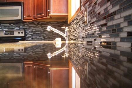 modern kitchen backsplash gl tiles