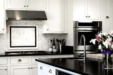 glossy contemporary kitchen in black and white