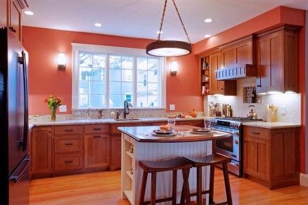 large kitchens can also benefit from small islands