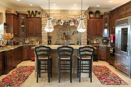 stylish and subtle christmas kitchen decorating idea