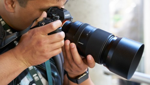 Bodacious Look At Sony Fe Look At Sony Fe Lens Fspers Sony 70 200 F4 Vs 2 8 Sony 70 200 F4 Vs F2 8