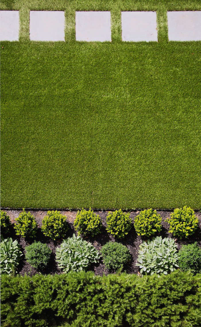 Riveting Artificial Grass Artificial Grass Versus A Live Lawn Gardenista Canada Green Grass Seed Groupon Canada Green Grass Seed Home Depot Architect Barbara By Pros A Lawn houzz-03 Canada Green Grass Seed
