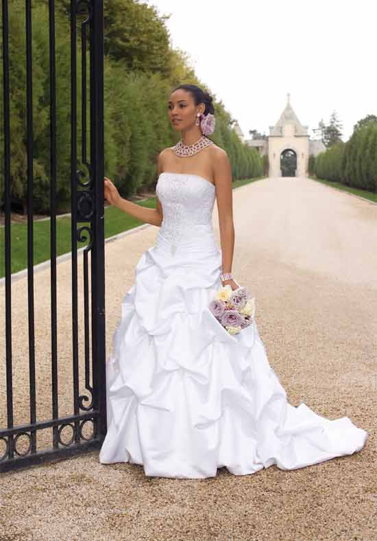 Ladies - How to choose a perfect wedding dress