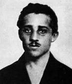 http://i1.wp.com/cdn.history.com/sites/2/2015/04/hith-assassination-of-franz-ferdinand-Gavrillo-princip-V.jpeg?resize=147%2C171