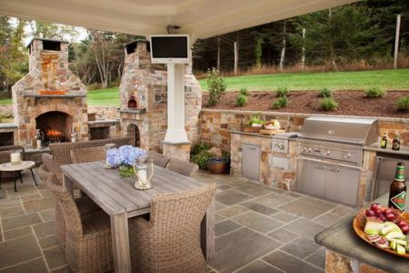 coverd outdoor kitchen