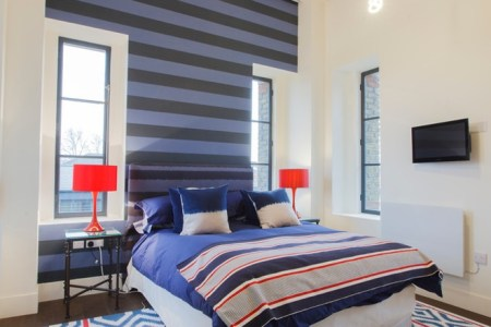 modern ed wall and chevron rug