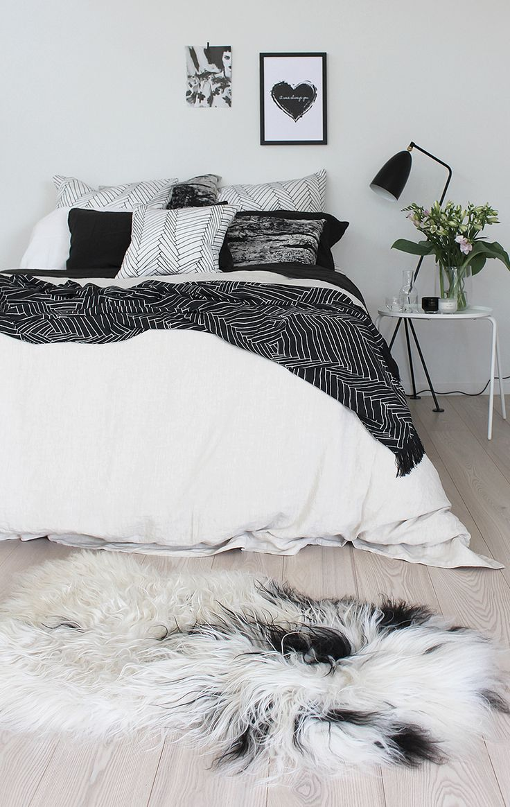 Fullsize Of Black And White Bedding