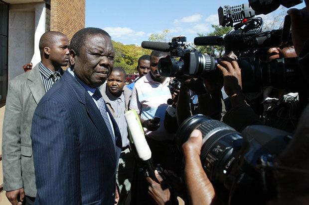 Morgan Tsvangirai speaks to reporters, 2008