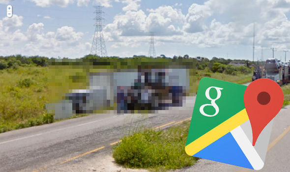 Google Maps Street View  Lorry caught in very awkward situation in     google maps street view google maps bizarre google maps strange mexico  state lorry crash
