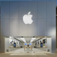 Authorities Charge 6 in Chicago Apple Store Traveling Fraud Scheme