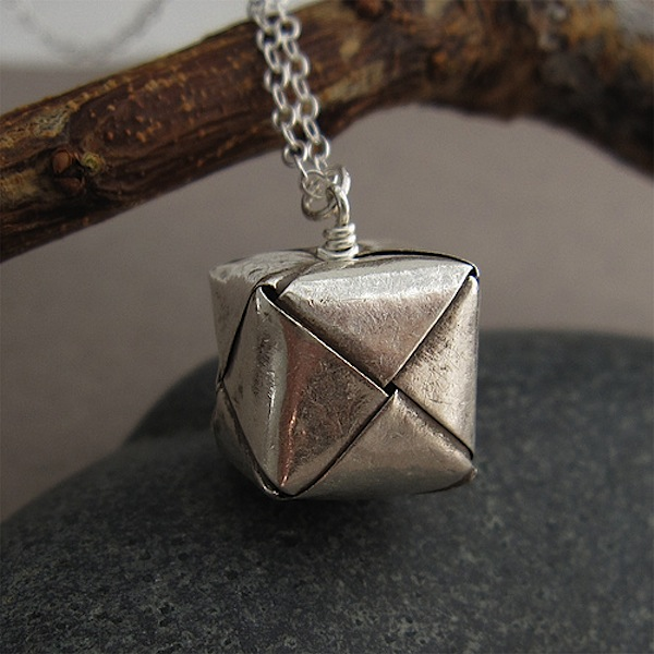 origamisilvernecklace.jpg