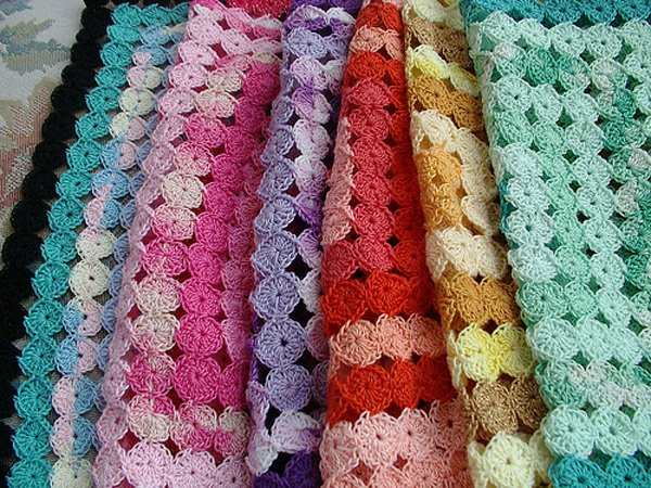 Crochet Yoyo Patterns : Crochet Yo-Yo Afghan Tutorial Make: