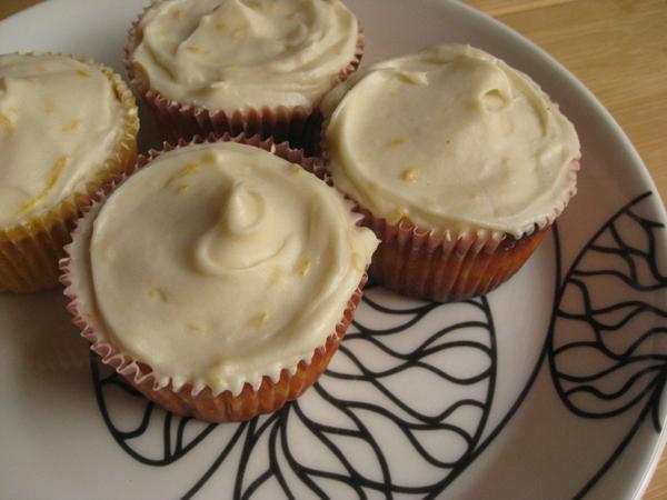 lemoncupcakes.jpg