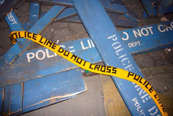policebarricades.jpg
