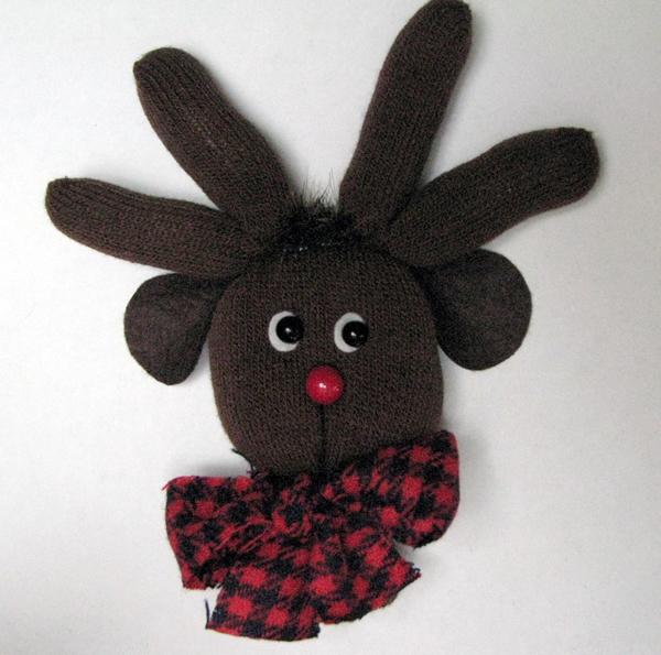 glove_reindeer.jpg