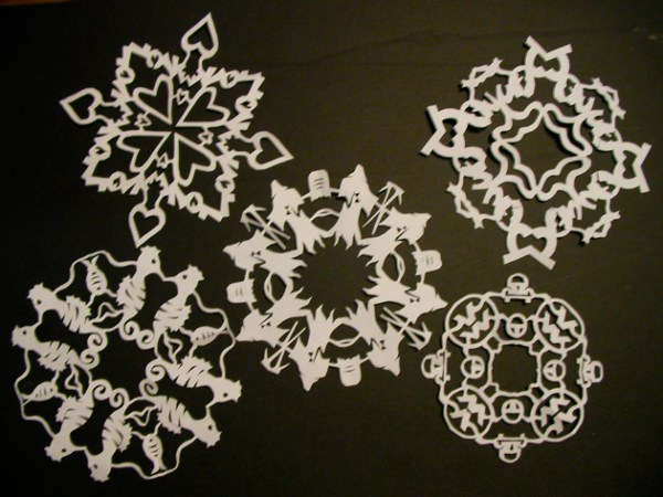 instructablespapersnowflakes.jpg