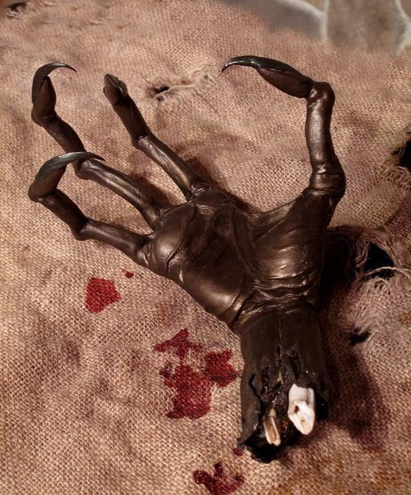 rsz_mummified_alien_hand.jpg