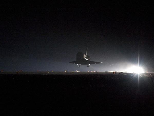 endeavour_landing.jpg