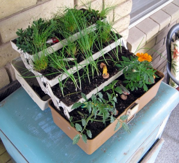 tackleboxplanter_step4a.jpg