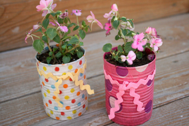 How to aluminum can flower pots make for Flower pot making with waste material