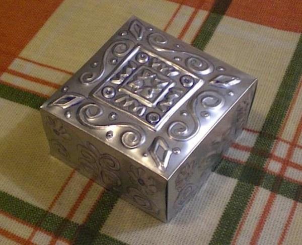 tincanembossedbox.jpg