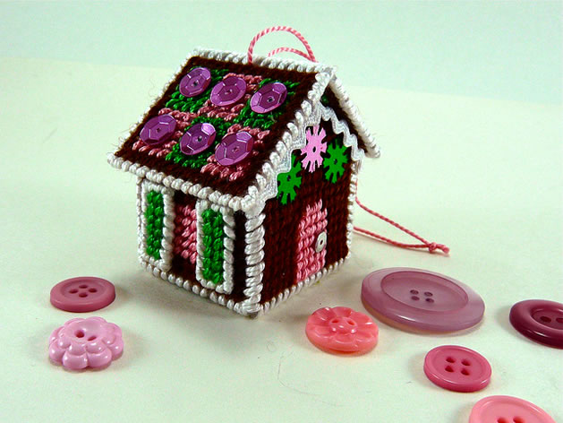 plastic_canvas_gingerbread_house.jpg