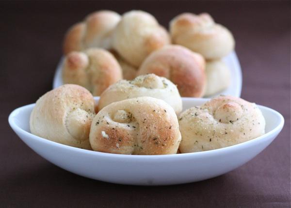 garlic-knots.jpg
