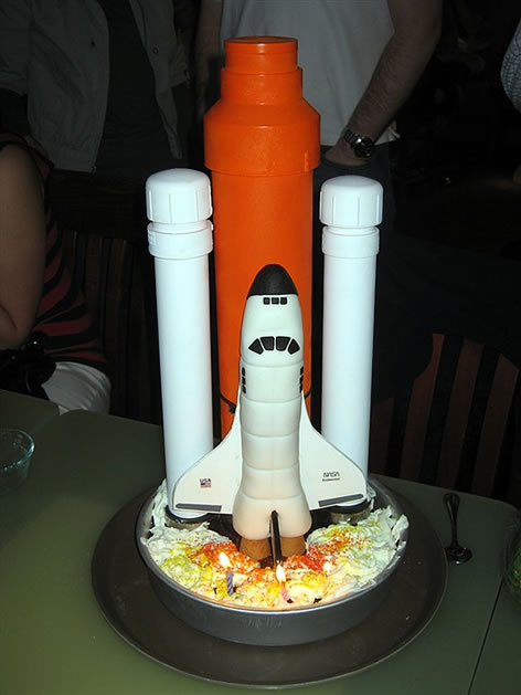 space_shuttle_cake.jpg