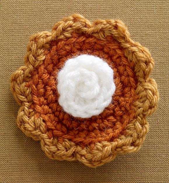 crochet_pumpkin_pie.jpg
