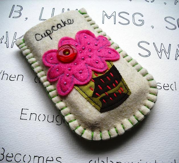 suezybees_cupcake_gadget_sleeve_flickr_roundup.jpg