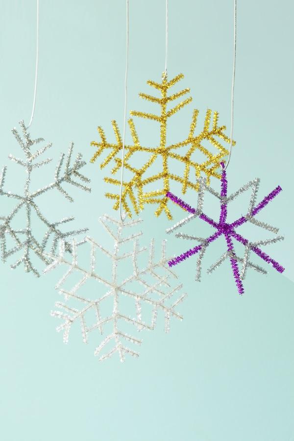 pipecleaner_snowflakes_hero.jpg