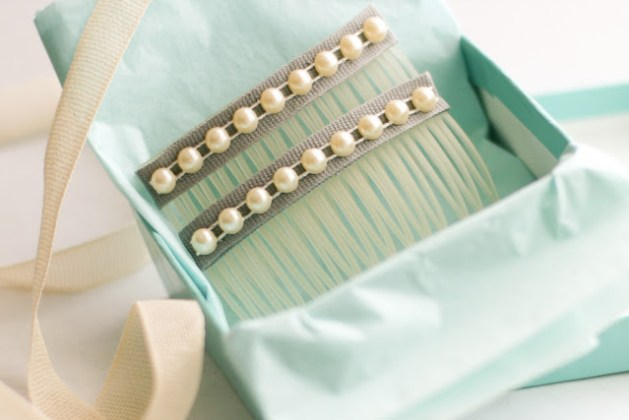 diy_hair_combs_pearl.jpg