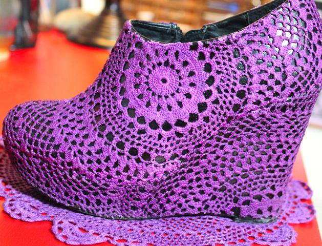 DIY Doily Shoe Corinne Leigh 1.jpg