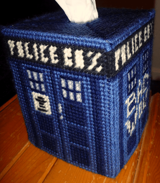free_needlepoint_tardis_tissue_box_pattern.png