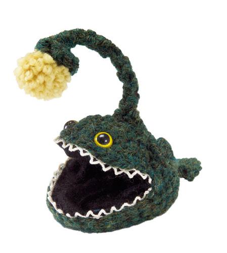 crochet_angler_fish_pattern_lionbrand.jpg
