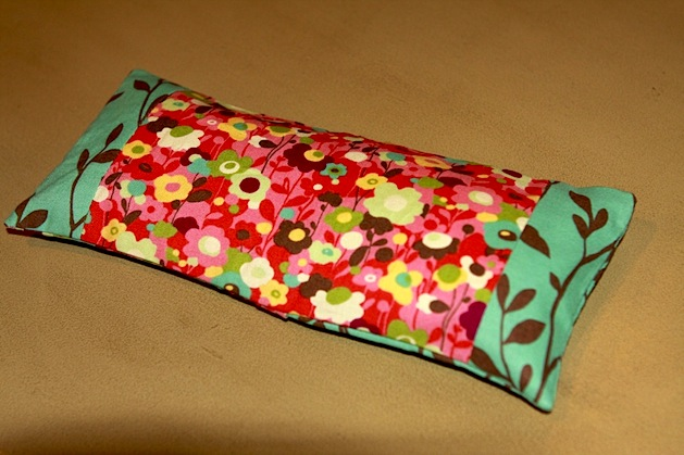 make-it-do_lavender_eye_pillow_02.jpg