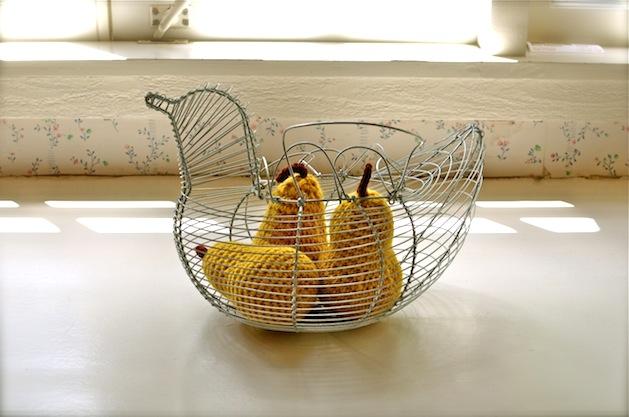 crocheted_pear_flickr_roundup.jpg
