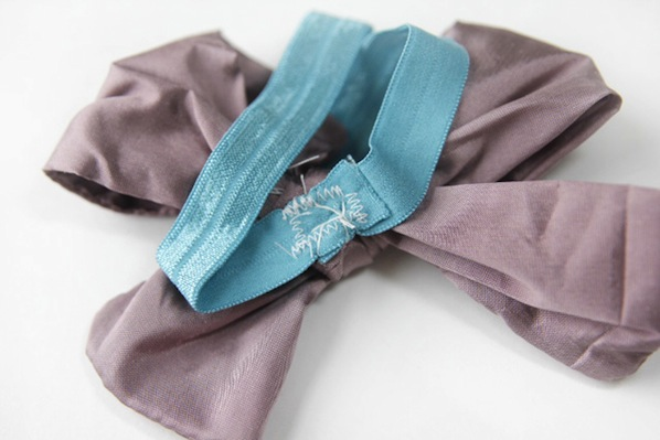 seekatesew_silk_bow_baby_headband2