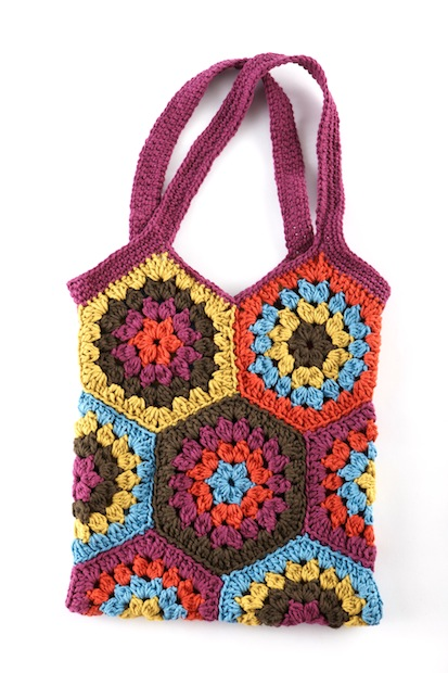 lionbrand_crocheted_hexagon_market_bag