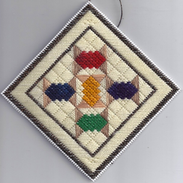 nuts-about-needlepoing_spool_needlepoint_quilt_ornament
