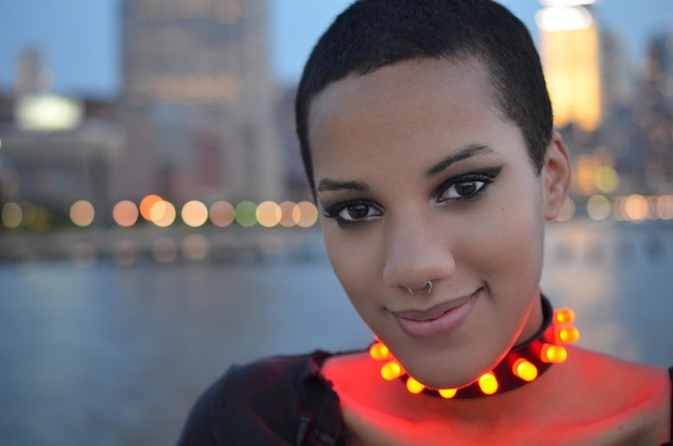 risarose_punk_LED_collar