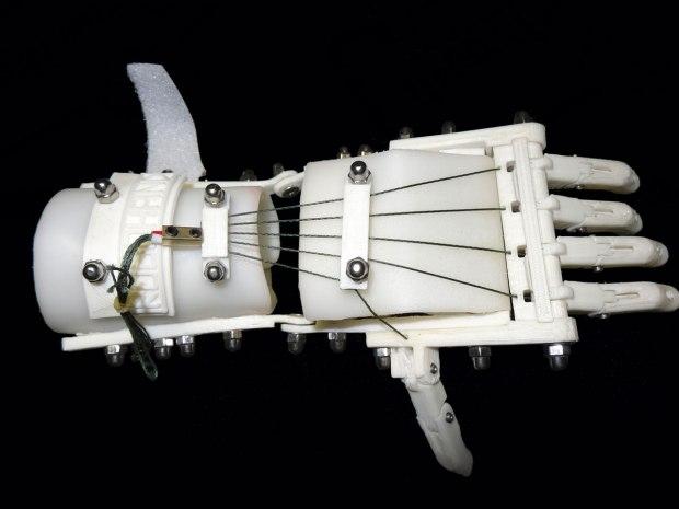 SIP06-robohand-white