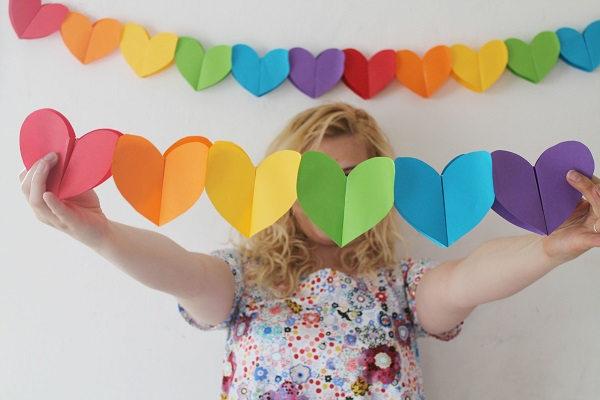 studioDIY_Foldable_Heart_Garland_01