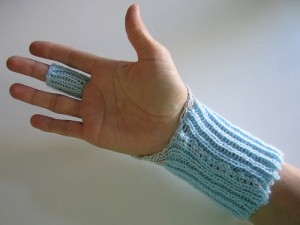 knitted-wrist-bend-sensor-2