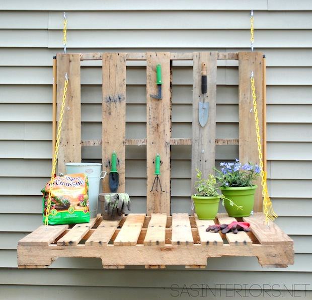 sasinteriors_pallet_gardening_table_01