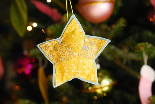 wildolive_quilted_star_ornament_01
